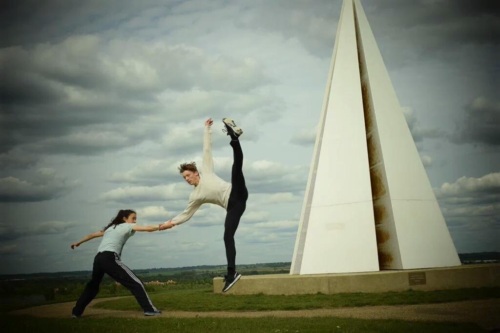 Motus Dance Top Image